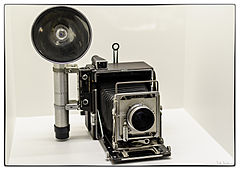 Stanley Kubrick's Speed Graphic camera at the LACMA exhibit.jpg