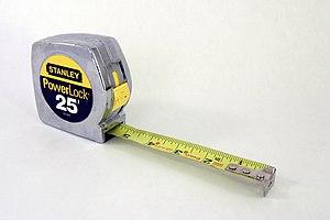 English: A Stanley PowerLock tape measure.
