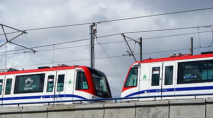 A pair of 9000 series are tested on the Santo Domingo Metro. Stodgo metro.jpg