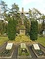 Stukenbrock-Senne - Friedhofskreuz.jpg