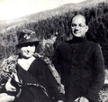 Subhas Bose with his wife.png