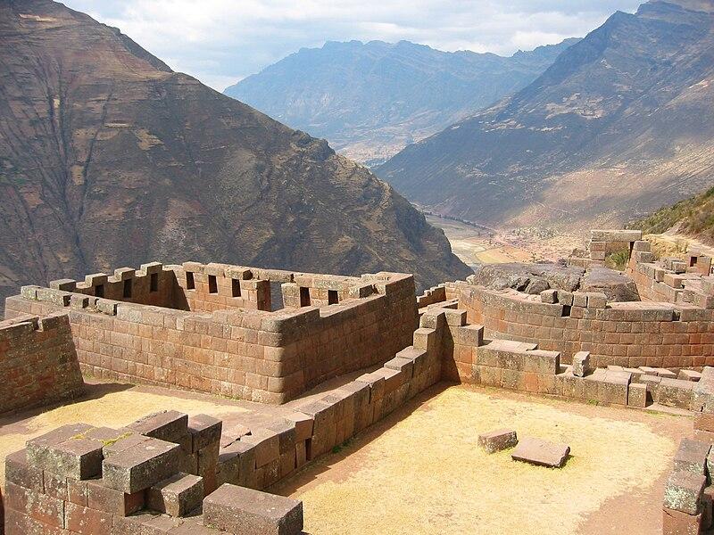 File:Sun Temple at Pisac, Peru.jpg