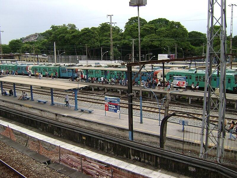 Andar de trem no Rio de Janeiro