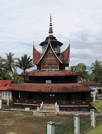 Architecture of Indonesia - Image: Surau Nagari Batipuh