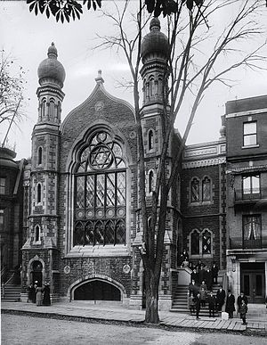 Oldest synagogues in Canada - The original Shaar Hashomayim shul at 59 McGill College Avenue, circa 1910.