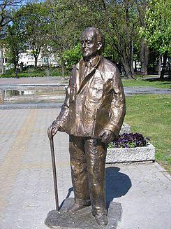 http://upload.wikimedia.org/wikipedia/commons/thumb/d/d9/Szwalbe_pomnik2.JPG/245px-Szwalbe_pomnik2.JPG