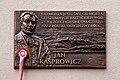 Tablica upamiętniające nadanie latarni morskiej Rozewie II imienia Jana Kasprowicza.jpg