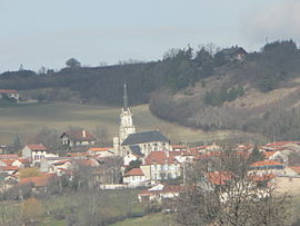 Village of Teilhède from south-east (from RD 411 commune Prompsat)
