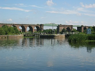 River Weaver - Hunt's locks, with Northwich railway viaduct in the background