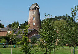 The mill at Willaston, Wirral.JPG