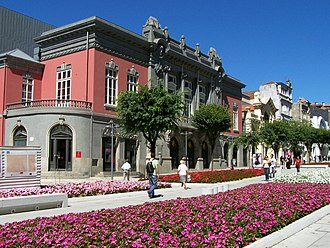 Theatre Circo - Facade and promenande of the theatre along Avenida da Liberdade