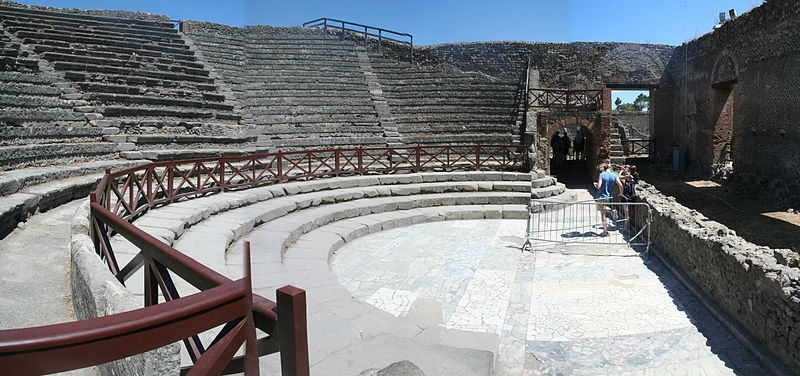 Datei:Theatro Piccolo (Odeion) in Pompeji.JPG