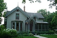 Thomas-Hart-House Aug09 with-cat.jpg