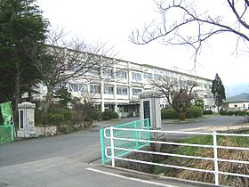 Tottori municipal Kozan junior high school.jpg