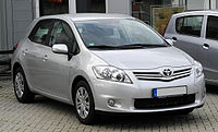 Toyota Auris 1.6 Life+ (Facelift) – Frontansicht, 21. Juni 2011, Ratingen.jpg
