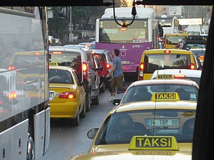 Traffic jam in Istanbul's road.JPG