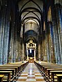 Trento Cattedrale San Vigilio Vescovo Innen Langhaus Ost 2.jpg