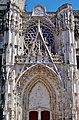 Troyes Cathédrale St. Pierre et Paul Rosette & Portal.jpg