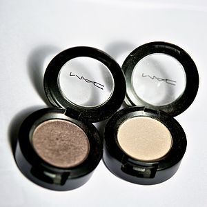 Two shades of eye shadow