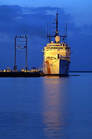 Medium endurance cutter - Image: USCGC Harriet Lane WMEC 903 moored at NS Guantanamo Bay