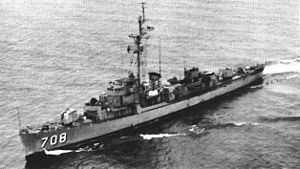 USS Parle (DE-708) - USS Parle (DE-708) underway on Lake Michigan c1968