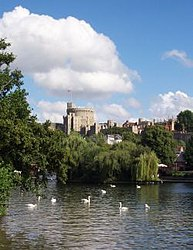 Uk-windsor-river-and-castle.jpg