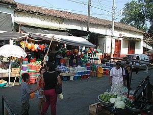 Usulután - Image: Usulutan market 2003