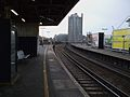 Vauxhall mainline stn platform 7 look west3.JPG