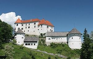 Velenje Castle - Image: Velenjski grad poleti