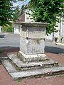 Ver-sur-Launette (60), ancien calvaire, place de la Croix.jpg