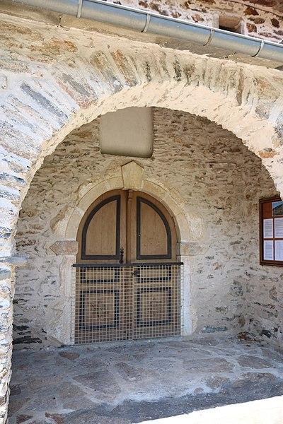Verreries-de-Moussans (Hérault) - portail de l'église Saint-Thomas