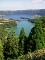 View of the green and blue lake just east of Sete Cidades - panoramio.jpg