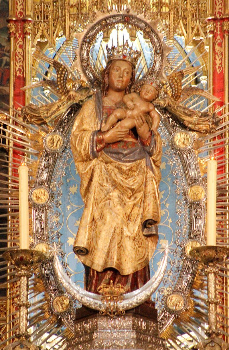 Virgin de la Almudena - Catedral de la Almudena.JPG