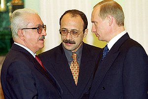 Tariq Aziz - Aziz with Russian President Vladimir Putin at the Kremlin on 26 July 2000.