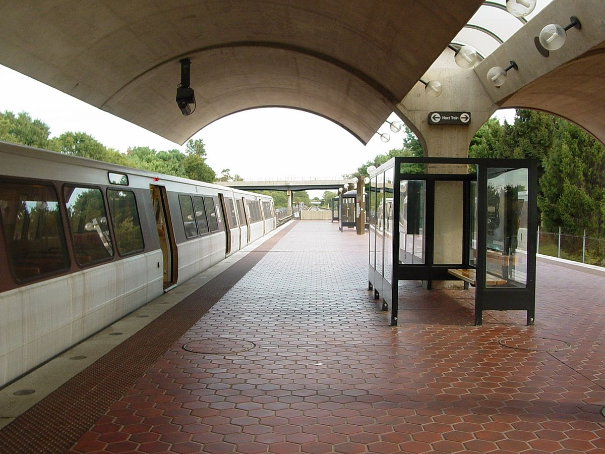 shady grove station wikipedia