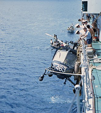 HMS Cleopatra (F28) - Image: Wasp 463 a