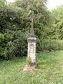 Watronville (Meuse) croix de chemin (01), stèle et croix.JPG