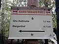 Wegweiser zwischen Kalkhuette und Heimkehle (Ghs Kalkhuette 1,1 km).jpg