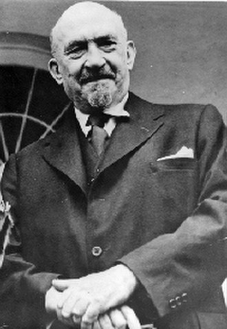 "Historikerstreit - The Anglo-Israeli scientist and statesmen Chaim Weizmann. Nolte in essay ""Between Myth and Revisionism"" wrote as head of the Jewish Agency, Weizmann declared war on Germany in 1939, thus justifying the German ""internment"" of the Jews"