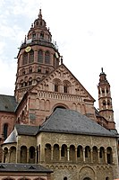 West crossing tower and north transept - Mainz Cathedral - Mainz - Germany 2017 (2).jpg