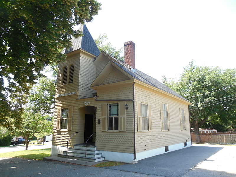 File:Witherbee School, Middletown Historical Society, Newport East, RI.jpg