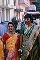 Women in sari Ahmedabad.jpg
