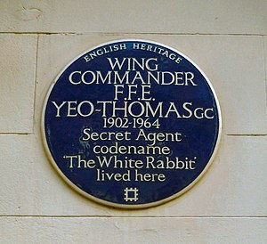 F. F. E. Yeo-Thomas - The blue plaque on Yeo-Thomas' flat in Guilford Street