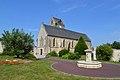 Église Saint-Vigor de Soliers. Vue sud-ouest.jpg