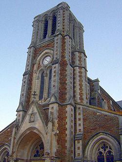 Église St Léger de Joué-sur-Erdre-edit.JPG