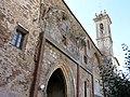 069 Sant Jeroni de la Murtra, arcs de les capelles l'antiga església i campanar.JPG