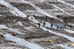1952 Mount Gannett C-124 crash Colony Glacier recovery.jpg
