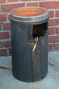 2003-09-30 Trash can.jpg
