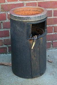 2003-09-30 Trash can.jpg