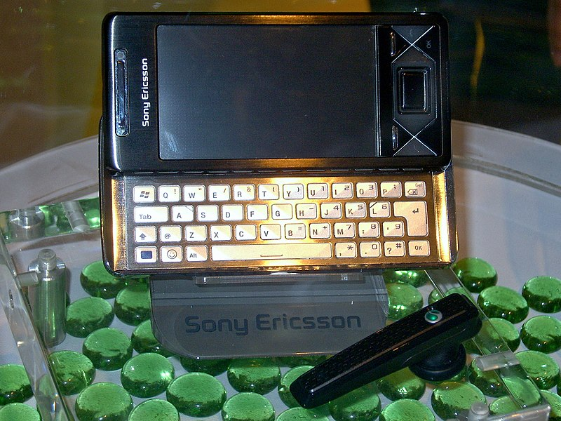 File:2008SonyFair Day2 Sony Ericsson XPERIA X1.jpg
